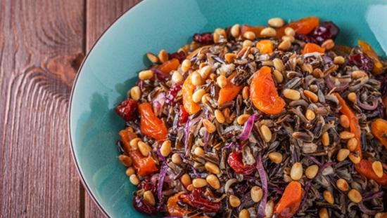 אורז בר עם פירות מיובשים