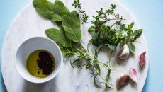 צמחי תבלין, שום ושמן זית - הקשר בין עולם הצומח ליהדות