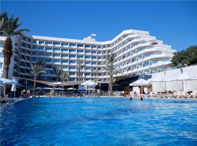 מלון רימונים אילת, פעילויות להכנת סבונים טבעיים עם הילדים וממתקים בריאים, שני חדרי בריחה במלון עצמו, מועדון משחקים וארוחות שף