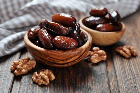 התמר, מבין כל הפירות המיובשים הוא היחיד הגדל ומטופל באופן מלא בארץ ישראל וכלל תוצרתו גודלת בה