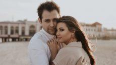 זוג מתחבק, כשיש בעיית אין אונות נפגעת האינטימיות