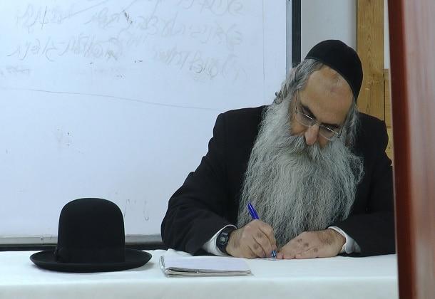 מייסד אילמה, הרב יובל הכהן אשרוב. נחשב לבכיר המרפאים הטבעיים בישראל ומוביל מהפכת הרפואה הטבעית