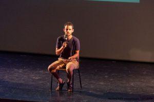 אלירן דה מאיו מרצה בכנס אוכלים בריא