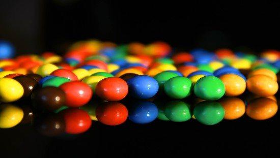 סוכריות עדשים צבעוניות - אולי הילד יוותר עליהן מעצמו