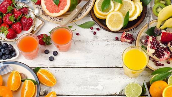 כאשר צורכים ויטמין C בתזונה - יש להקפיד על צריכת מספר מנות לאורך כל היום
