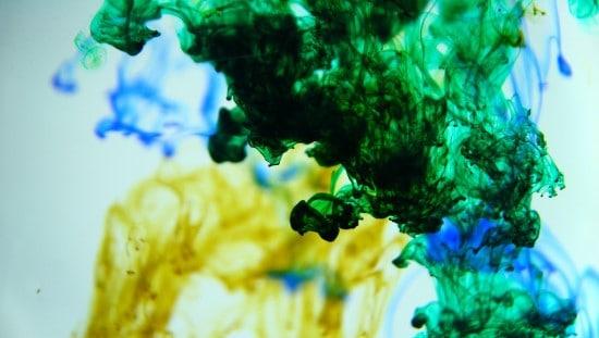 כולנו חיים בתוך ים של רעלים