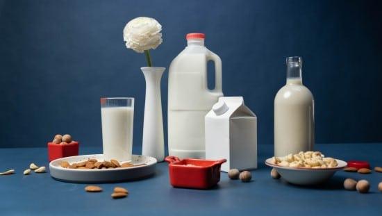 העדיפו מוצרי חלב אלטרנטיביים מסויה, שקדים ואגוזים