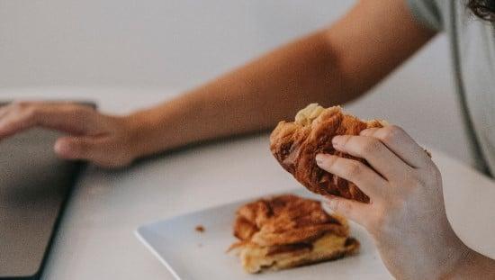 אכילה לא מודעת