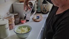 שמן קטו-אויל בשימוש במטבחה של ורד מיוחס מאיר, נטורופתית ותיקה