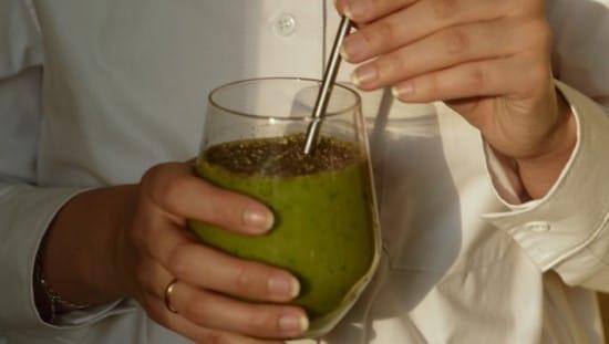 תוספת של זרעי צ'יה תעודד תחושת שובע ותסייע לירידה במשקל. צילום: unsplash