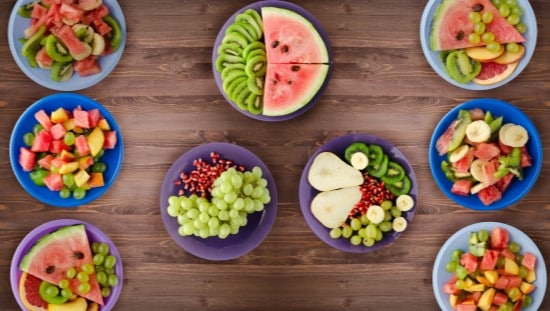 הצעה בריאה להגשת פירות בסוכה. צילום באדיבות יחצ חלי ממן