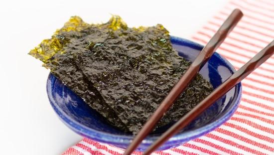 אצות. אולי הן הסוד לאריכות החיים של היפנים. צילום unsplash
