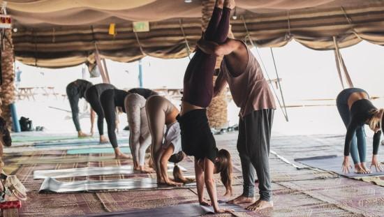 לתרגול היוגה תסייע תזונה שתתרום לתחושה של קלילות ושליטה על הגוף. צילום: ניצן כץ