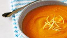 מרק כתום מתוך ספר הבישול של חלי ממן. צילום: סיון ציפורין