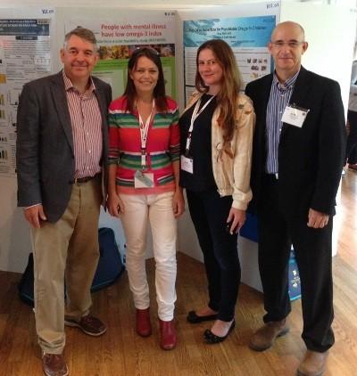 מימין: גיא בן צבי, Rachel V. Gow, Natalie Parletta, Joseph Hibbeln- שלושת האחרונים חוקרים מובילים בתחום הפסיכיאטריה, צולם בכנס -ISSFAL 2014 שטוקהולם.