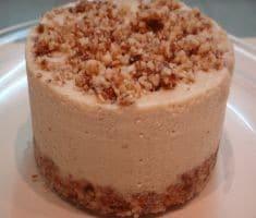 עוגת גבינה פירורים של שירלי ברעל טהרת ה-Raw