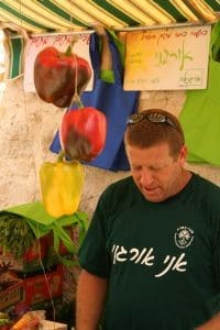 דוכן אורגני בשוק