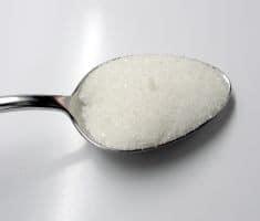 כל כפית סוכר מחלישה את החיילים הלוחמים שלכם